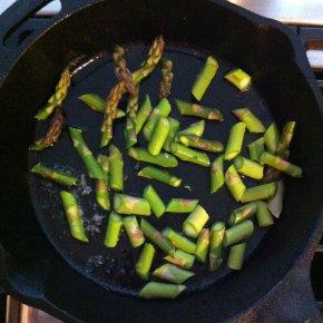 asparagus, cast iron skillet, frittata, for the love of food, marianhd.com